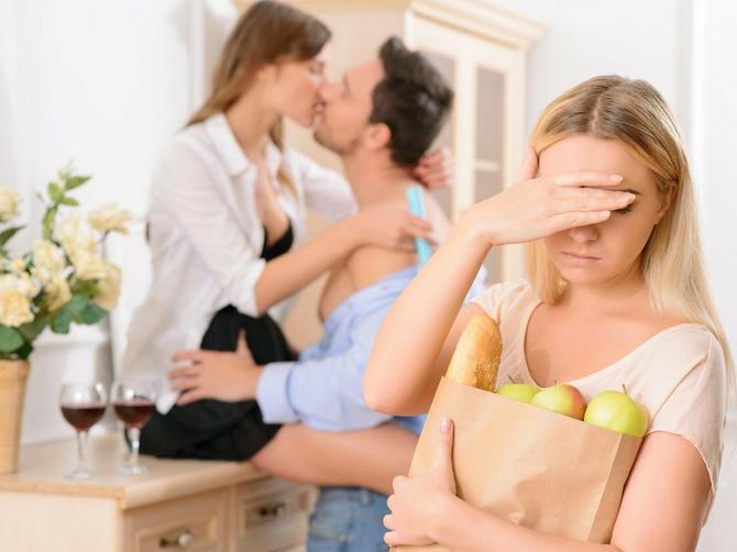 Svima sam govorila da MENE moj muž NIKAD ne bi prevario: A kada me jeste prevario, OSTALA SAM - evo zašto