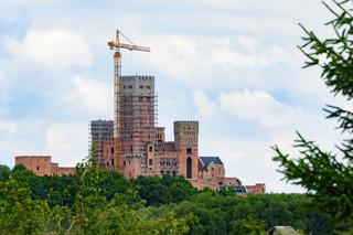 Zamek w Stobnicy na obszarze Natura 2000. GDOŚ: Wykorzystano wszystkie możliwości wtrzymania budowy