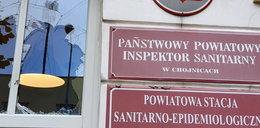 Pracownicy sanepidu w Chojnicach się boją. Najpierw dostawali pogróżki, a teraz to!