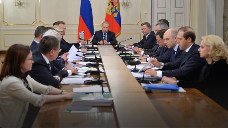 RUSSIA GOVERNMENT PUTIN MEETING (Vladimir Putin chairs a meeting with the Government members)