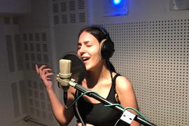 SNIMCI IZ STUDIJA Pogledajte kako je bilo na snimanju Anastasijine prve pesme i šta joj je Ceca savetovala (VIDEO)