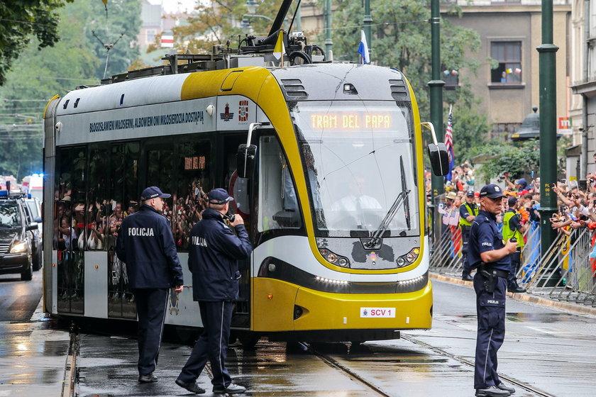 Światowe Dni Młodzieży: 58 policjantów zatruło się w drodze na uroczystości