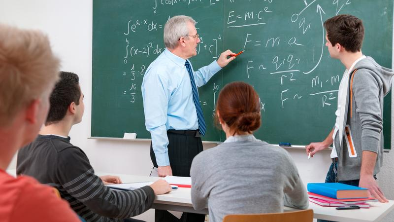 """Pilotaż """"Cyfrowej szkoły"""" - komputer wciąż dodatkiem do tradycyjnego nauczania"""