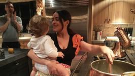 Salma Hayek nianią i kucharką u Ryana Reynoldsa