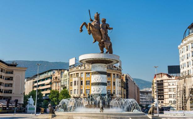Od momentu odzyskania niepodległości przez Macedonię w 1991 r. Grecja, dla której ten słynny władca także jest bohaterem narodowym, toczy ze Skopje spór o nazwę państwa