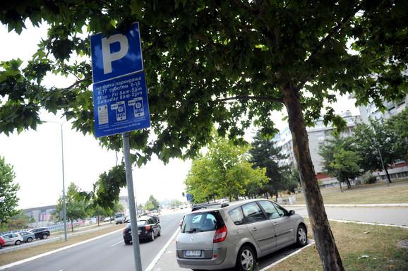 Naplata parkinga u Bulevaru Zorana Đinđića