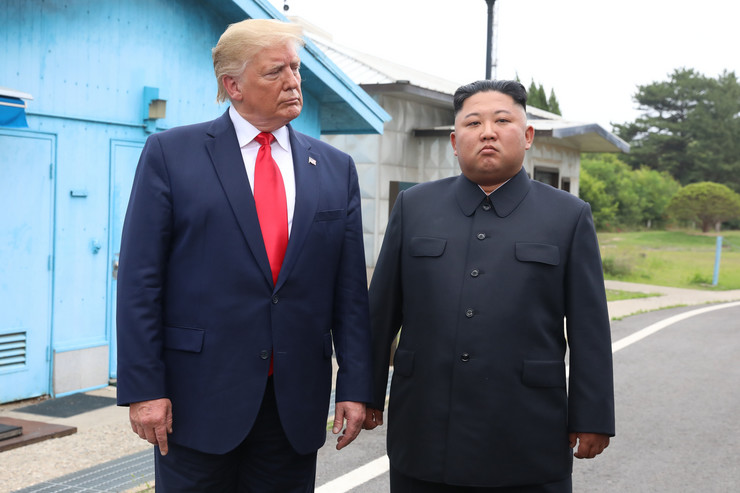 Donald Tramp i Kim Džong Un u Demilitarizovanoj zoni 2019.