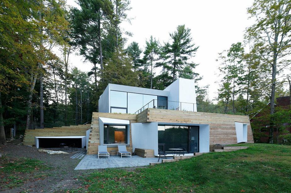 Jednorodzinny dom nad jeziorem! Piękna willa skryta w zieleni.
