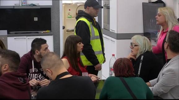 UNELA MU SE U LICE Marija Kulić napala Zolu, obezbeđenje odmah uletelo, nastao haos u kući