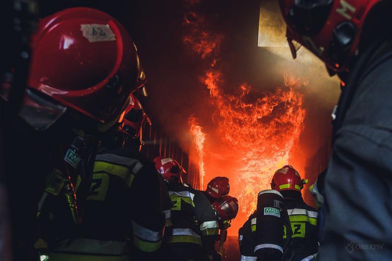 Ćwiczenia gaszenia pożarów wewnętrznych
