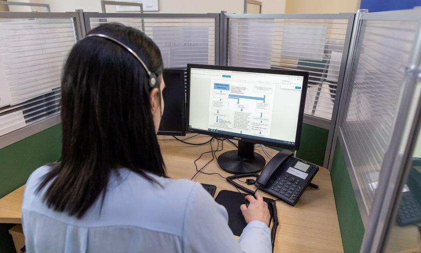 Pracowników w poznańskim call center wspiera robot.