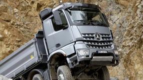 Mercedes sprawdza model Arocs w terenie
