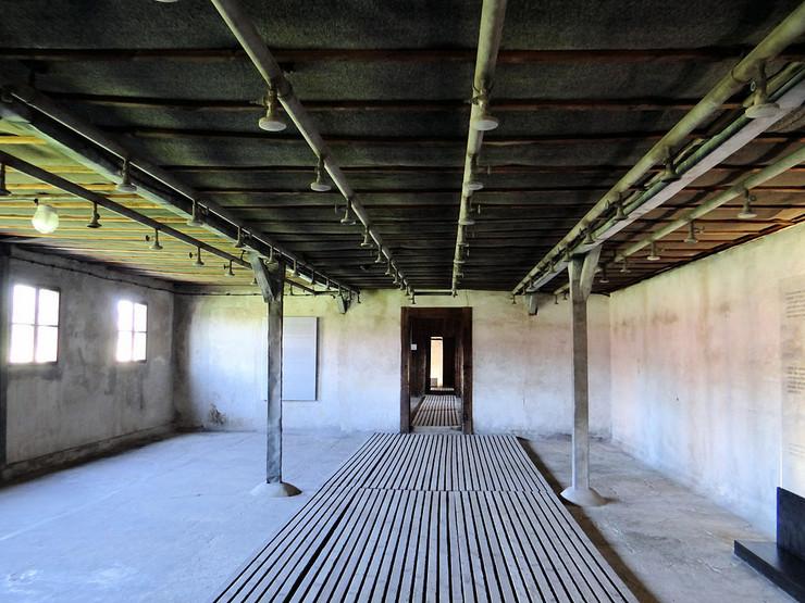 poznate kompanije i nacizam03 bajer gasna komora majdanek foto Wikipedia Jolanta Dyr