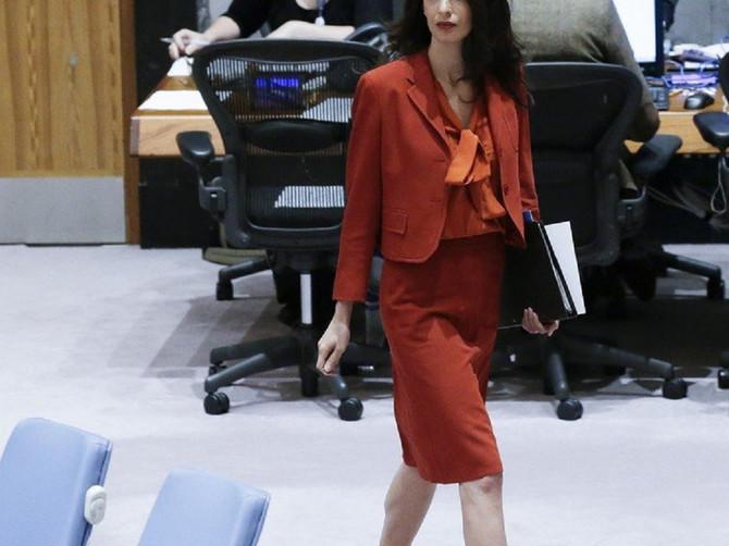 Kako je jedna advokatica postala glavna tema svetskog šou-biznisa: Zbog glasina o razvodu sve više se sumnja da je njen život ČISTA LAŽ