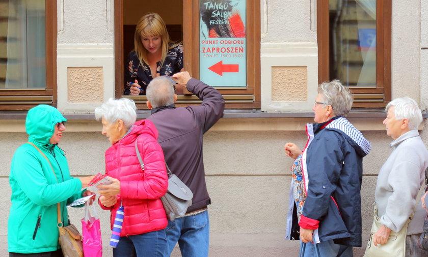 Tango w Łodzi. Długa kolejka po zaproszenia na tangosalon festiwal