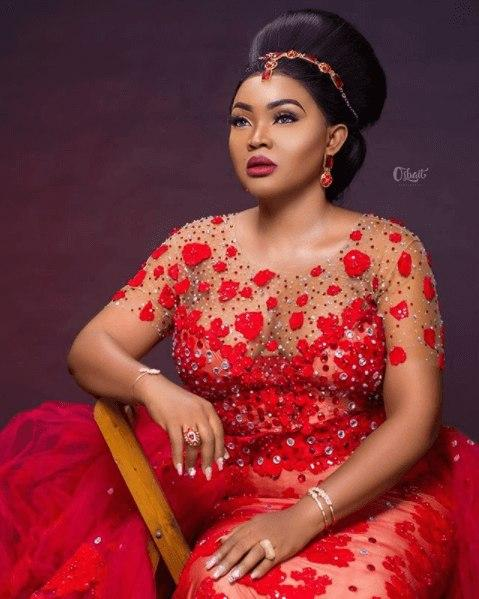 Mercy Aigbe's looking fabulous in her famous red dress.