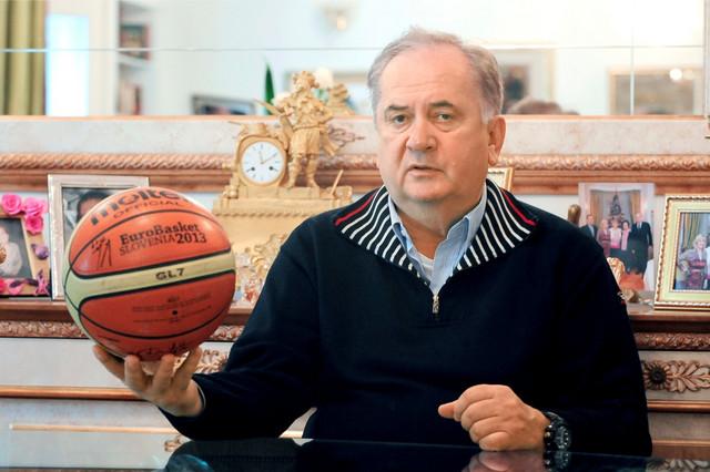Predsednik Olimpijskog komiteta Srbije Božidar Maljković - najbolji trener sa kojim je Savić radio tokom sjajne karijere