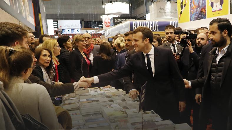 epa06606672 - FRANCE GOVERNMENT (President Emmanuel Macorn at Paris Book Fair)