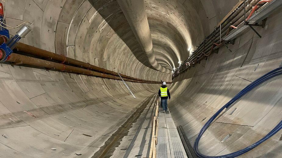 Zapłaci 6 tys. zł, by wejść do drążonego pod Świną tunelu
