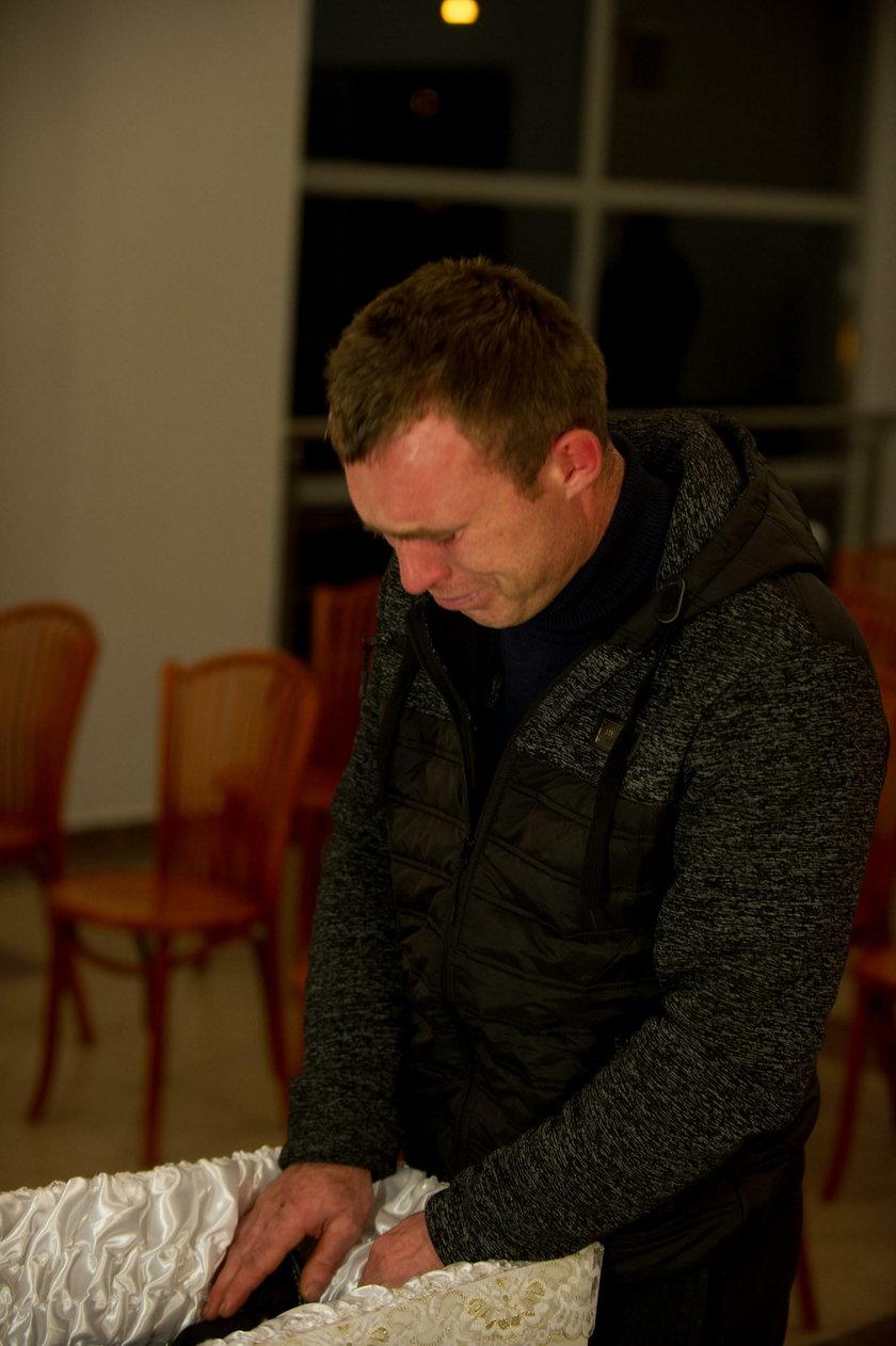 Bliscy pożegnali Tomusia. 3-latka katował i gwałcił partner matki