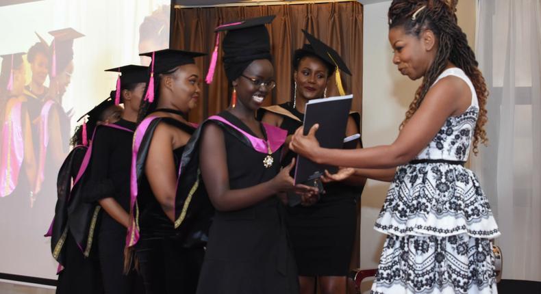 Jacque Mgido, Hollywood celebrity makeup artist at Kenya's Lintons Academy graduation. (courtesy)