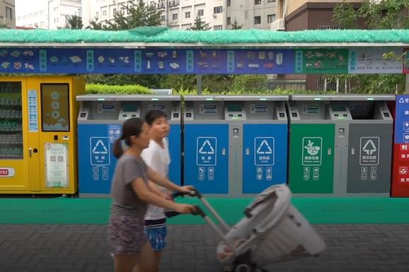 BUDUĆNOST JE STIGLA Kineske kante za đubre se otvaraju čim im priđete, jer ZNAJU KO STE (VIDEO)