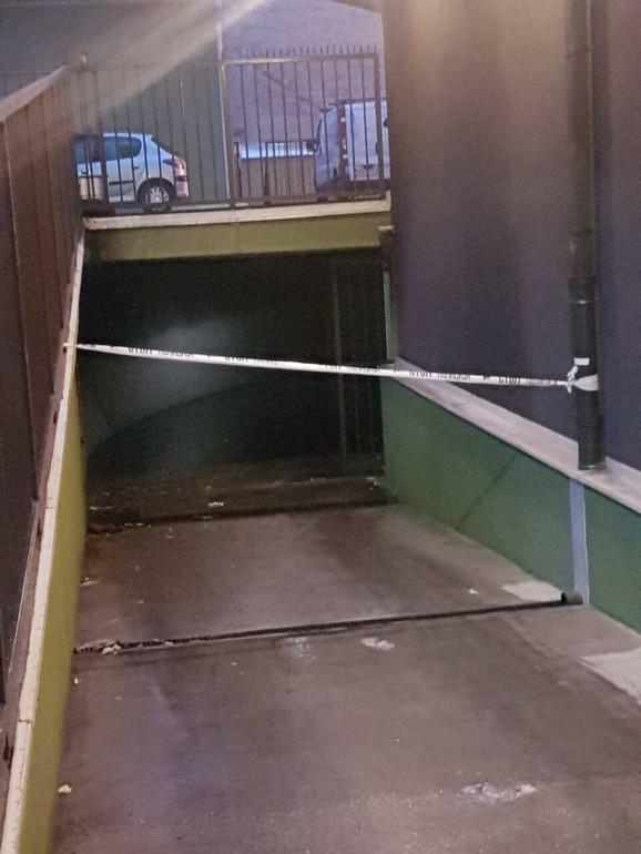 Garaža u kojoj je izbio požar