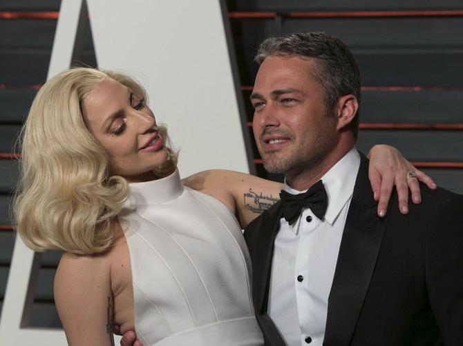 I Ledi Gaga je samo žena: Slavna pevačica otkriva zašto je prekinuta njena veridba sa Tejlorom Kinijem