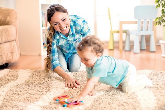 Traženi negovatelji starih ali i bebisiteri