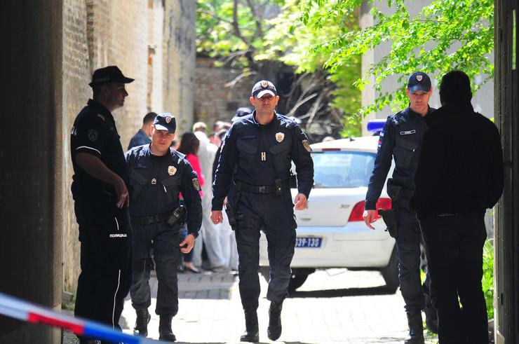 Novi Sad 199 pucnjava policija uvidjaj ulica pap pavla 27 foto Robert Getel