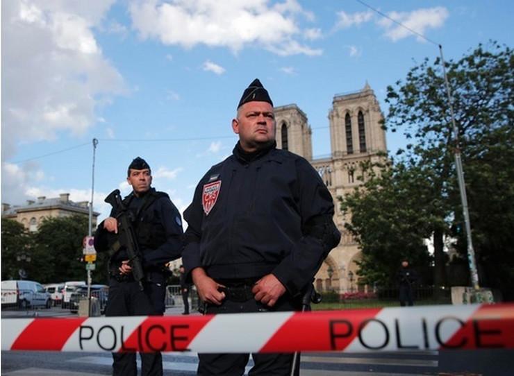 Pariz Francuska Policija Notr Dam ap