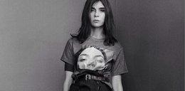 Carine Roitfeld w koszulce z Kim