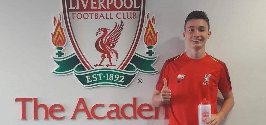 Rewelacyjny Musiałowski podpisał kontrakt z Liverpoolem i dołączył do pierwszej drużyny The Reds