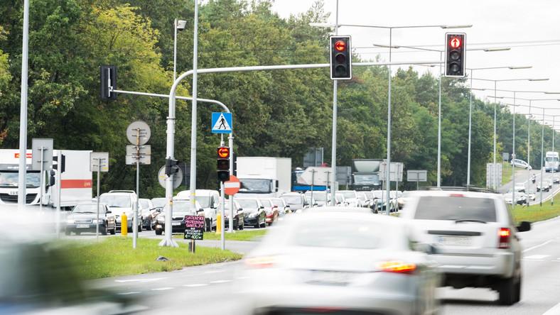 Polskie drogi w gąszczu fotoradarów. Gdzie jest ich najwięcej?
