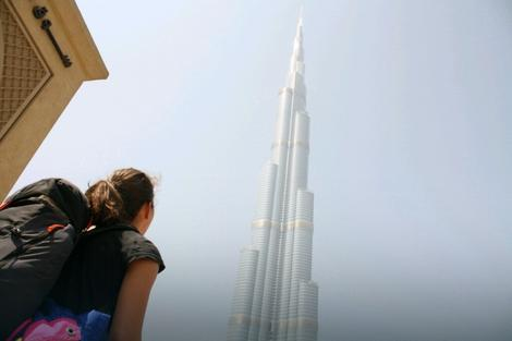 Milena pored nebodera u Dubaiju