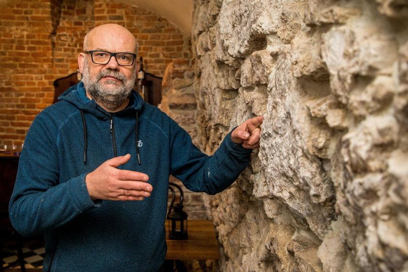 Sławomir Dryja odtworzył recepturę średniowiecznego piwa
