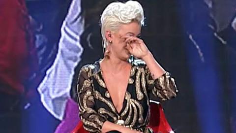 """""""MENE JE OVO VEOMA DOTAKLO"""": Na adresu Dušice Jakovljević stiglo pismo, a ona je imala posebnu poruku za osobu koja ga je poslala!"""