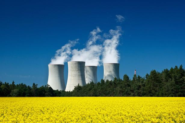 Jesteśmy blisko rozstrzygnięć ws. finansowania budowy elektrowni jądrowej w Polsce - zadeklarował w środę minister energii Krzysztof Tchórzewski. Dodał, że rozmowy na ten temat zamkną się w ciągu roku, a inwestycje mogą pochłonąć ok. 200 mld zł.