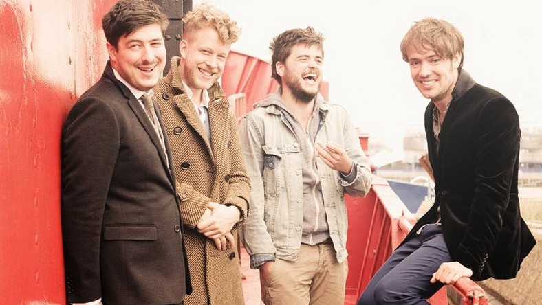 "Mumford & Sons przedstawiają klip do ""Lover Of The Light"""