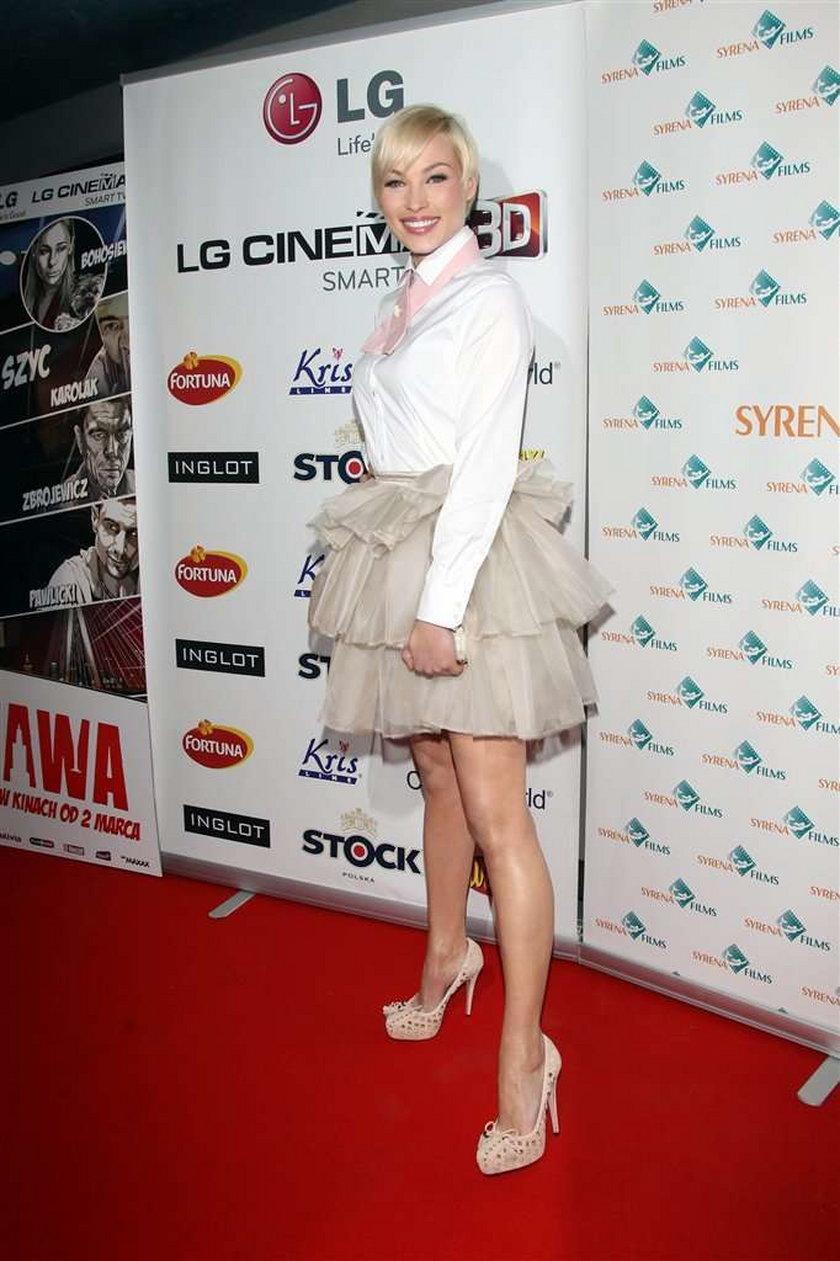 Która polska celebrytka ubrała się w tiule?