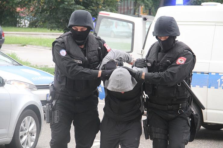 Policija RS hapšenje privođenje