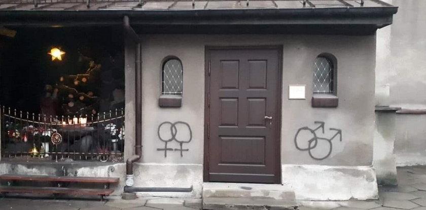 Namalował to na kościele. Grozi mu 8 lat