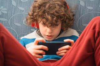Będzie wsparcie dla dzieci uzależnionych od internetu
