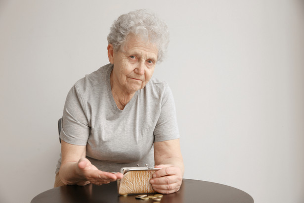 Oprócz podstawowego świadczenia emeryt może starać się w ZUS o szereg dodatków.