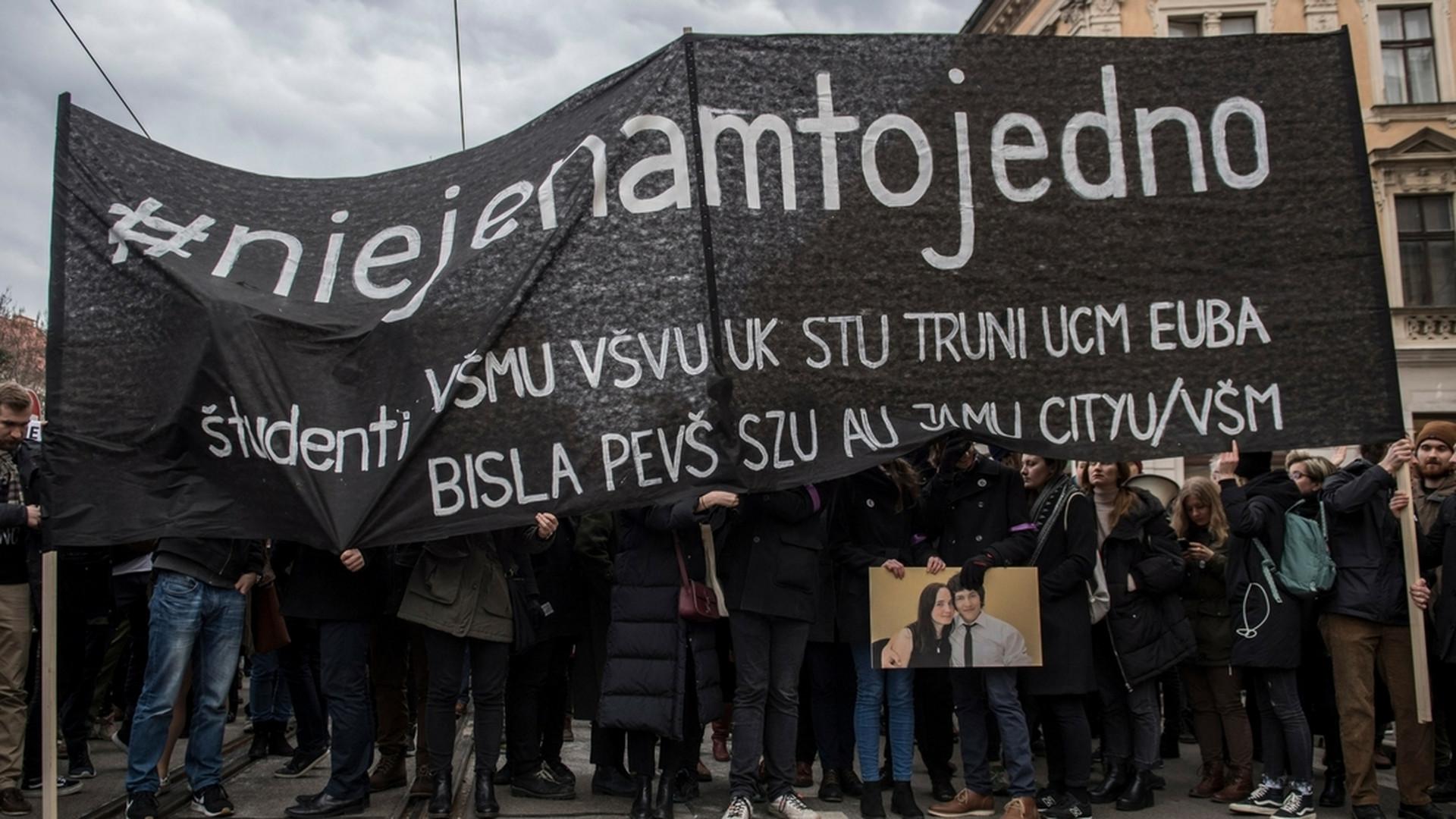 d5f048c8c Študenti ticho pochodovali Bratislavou, v ostatných mestách Za slušné  Slovensko