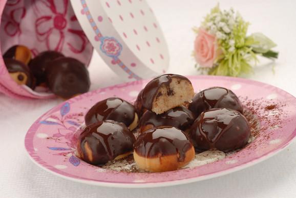 Moderne domaćice ove kolače prelivaju čokoladom