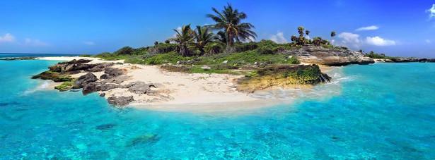 """Bahamy były jednym z miejsc, w których przebywał James w filmie """"Opercja Piorun""""."""
