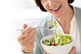Salata se jede u tačno određeno vreme: Pravite li ceo život VELIKU GREŠKU?