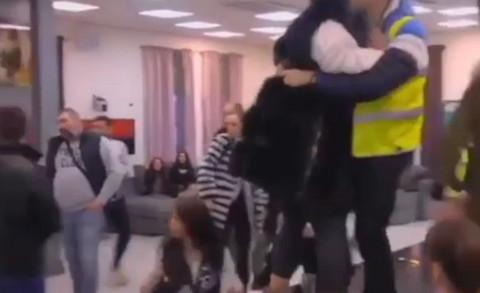 Zadruga se ori od krika: Aleksandra Subotić i Zerina Hećo u uznemirujućem klinču! Video