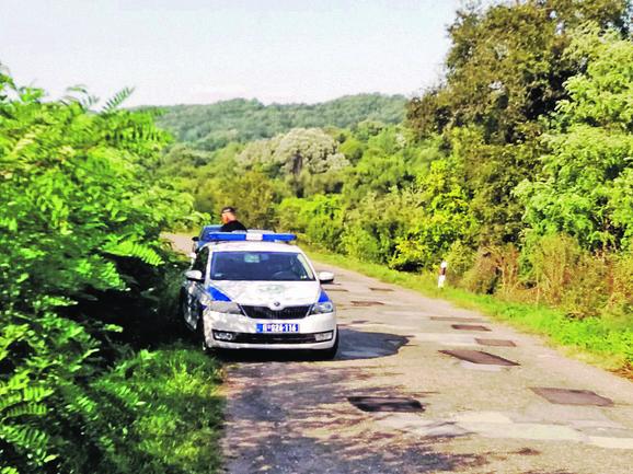 Ubijene je pronašao komšija koji je došao kod gazda Raje Kazimirovića po jagnje koje je ranije već ugovorio i tada u dvorištu zatekao jeziv prizor
